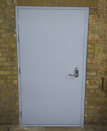 hinged-steel-door